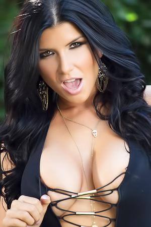 This Is Real Hot Pornstar Romi Rain