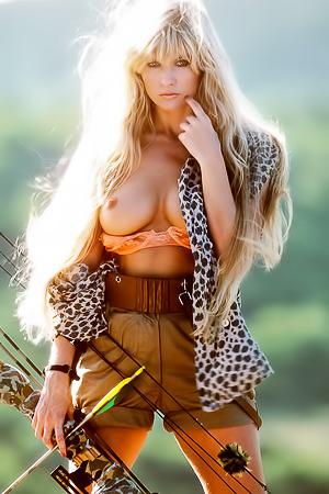 Dazzling & Natural Blonde Playmate Susie Owens