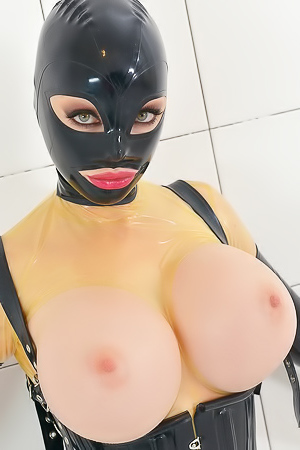 Dirty Chick Latex Lucy