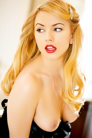 Blonde Superstar Lexi Belle Modeling For Penthouse