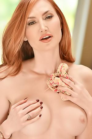 Sensual Redhead Kendra