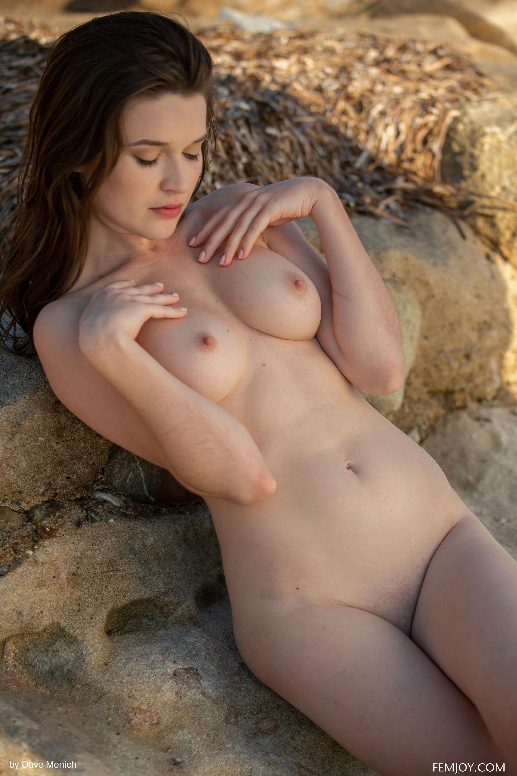 Breathtaking Women Nude