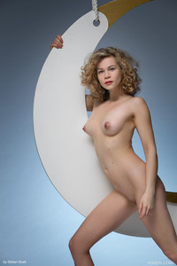 Emma O Amazing Beauty Getting Naked