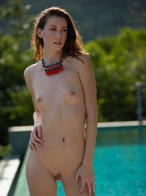 Mikaela McKenna Getting Naked In Beautiful Thailand