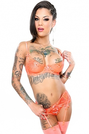 Bonnie Rotten Perfect Tatooed Babe