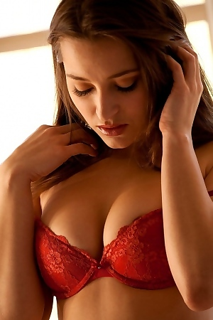 Dani Daniels Show Us Her Gorgeous Body Takes Off Her Red Top