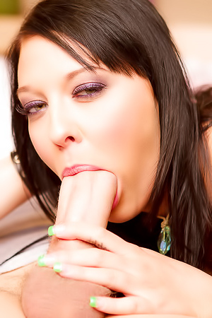 Ivy Winters Gets Her Mouth And Pussy Stuffed