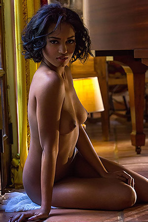 Ebony Beauty Noel Monique