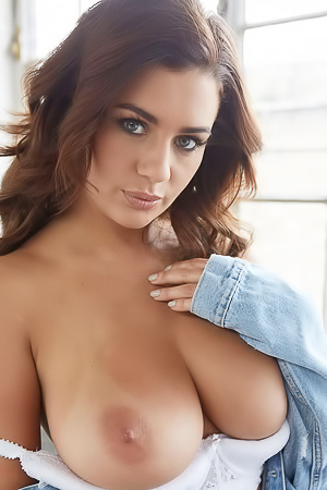 Holly Peers via Body In Mind