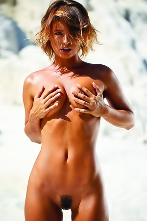 Too Hot Tanned Babe Marisa Papen