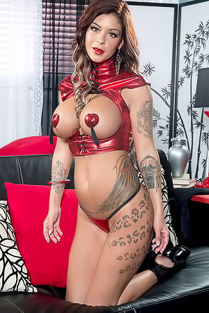 Brook Ultra knows what it takes to make you extra horny. The show of latex and pasties is a Scoreland special, but when Brook be