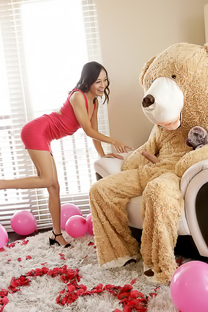 Fantasy About Jasmine Grey Fucked With Bear