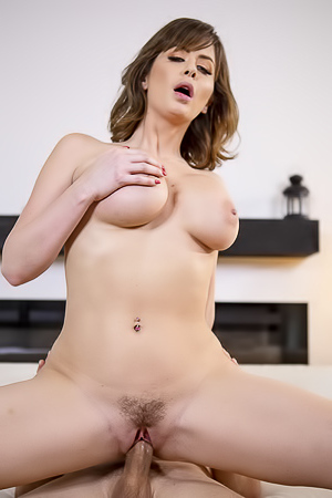 Top Milf Emily Addison Explore Sexualities