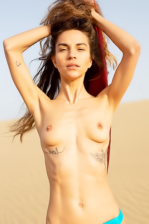 Rose Whitney Showing Tiny Tits And Small Pussu