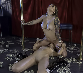 Karmen Karma And Sabina Rouge Stripping Lesbos