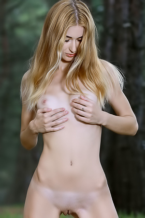 Forest Nude Nymph Aileen