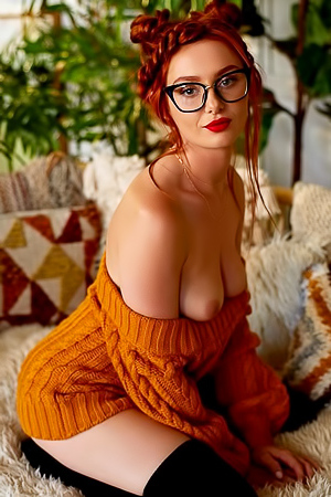 Lacy Lennon Posing In Sexy Glasses