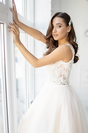 MedinaQ (aka Liya Silver) is the busty bride today on StasyQ. Don't worry, she's not actually getting married but imagining that