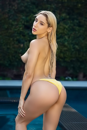 Abella Danger takes her curvy, big ass out to the pool