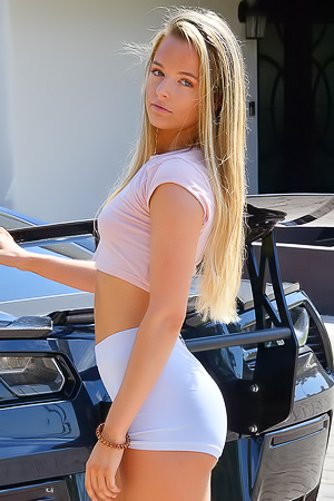 Serena Sporty Teen