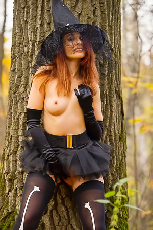 Jeny Smith Naked Witch Costume